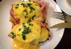 rosewood_eggs benedict